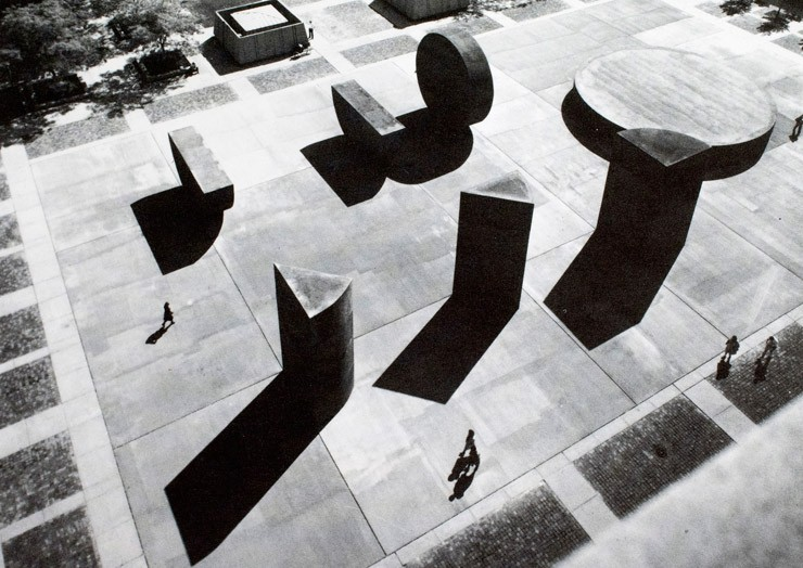 Aerial view of Michael Heizer, This Equals That, 1976–1980, State Capital Complex, Lansing, Michigan, commissioned by the state of Michigan. Photograph by Balthazar Korab.